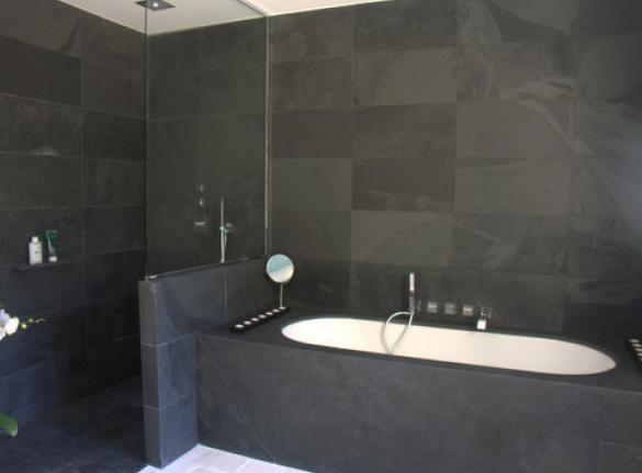 salle de bain en ardoise noire c dric farrusseng. Black Bedroom Furniture Sets. Home Design Ideas